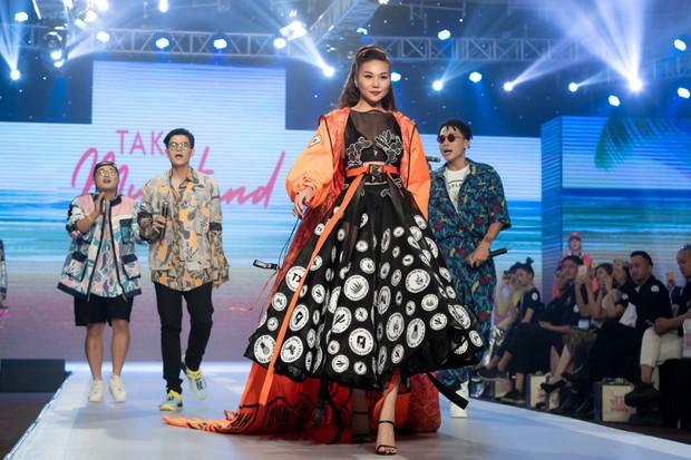 Dàn sao Việt đình đám quy tụ trong fashion show hoành tráng do Thanh Hằng làm vedette - Ảnh 9.
