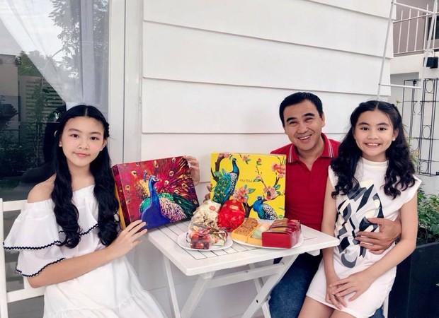 2 cô con gái nhà Quyền Linh: Cô chị được ví như Trương Bá Chi, cô em gây ấn tượng nhờ đặc điểm ăn tiền này - Ảnh 2.