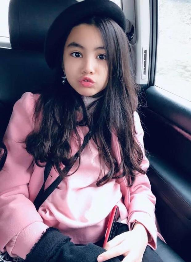 2 cô con gái nhà Quyền Linh: Cô chị được ví như Trương Bá Chi, cô em gây ấn tượng nhờ đặc điểm ăn tiền này - Ảnh 5.