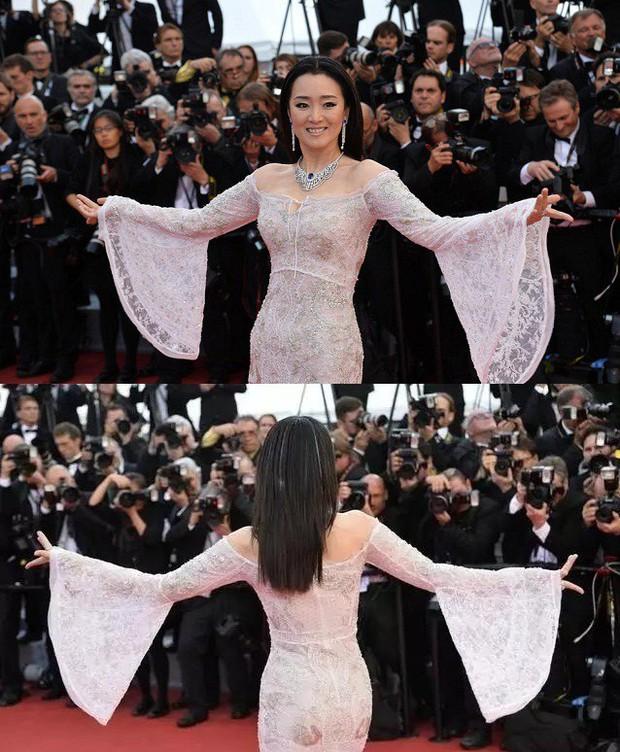 """Loạt sao Hoa Ngữ từng chặt chém đối thủ tại Cannes: Phạm Băng Băng chuẩn tắc kè hoa, Dương Mịch thích giơ """"ngón tay thối"""" đấy thì sao nào! - Ảnh 8."""
