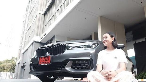 Beauty Blogger Thái Lan mua một chiếc BMW tặng bản thân nhân dịp sinh nhật thứ 12 - Ảnh 5.