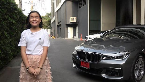 Beauty Blogger Thái Lan mua một chiếc BMW tặng bản thân nhân dịp sinh nhật thứ 12 - Ảnh 1.