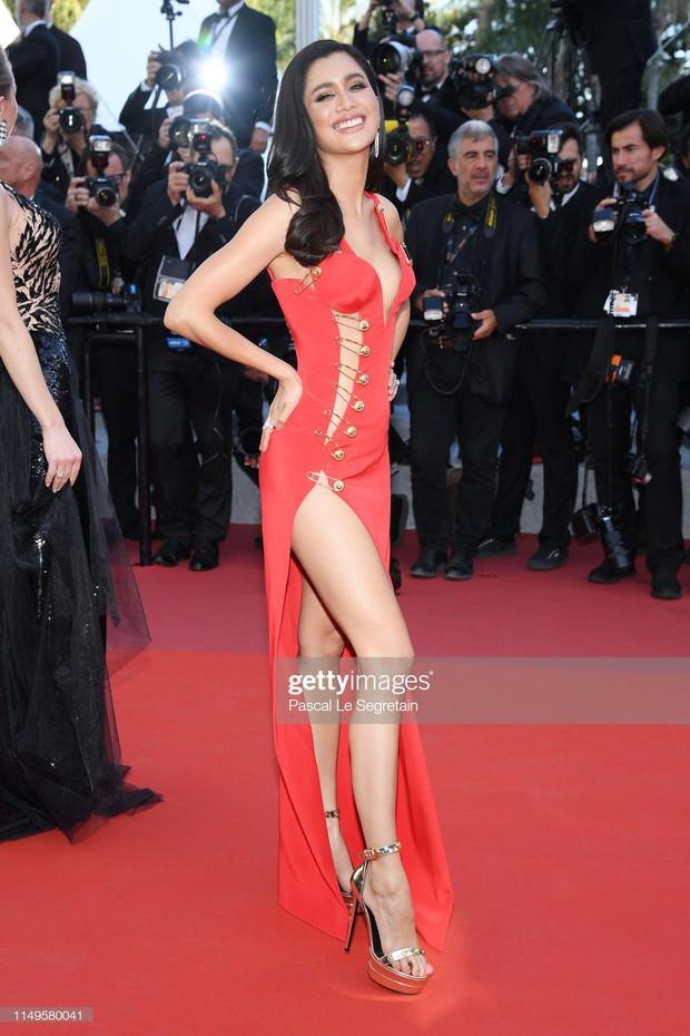 Thảm đỏ Cannes ngày 3: HLV The Face Thái Lan bất ngờ vùng lên chặt chém Bella Hadid cùng dàn mỹ nhân váy xẻ - Ảnh 20.