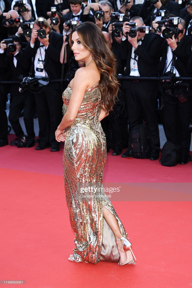 Thảm đỏ Cannes ngày 3: HLV The Face Thái Lan bất ngờ vùng lên chặt chém Bella Hadid cùng dàn mỹ nhân váy xẻ - Ảnh 9.