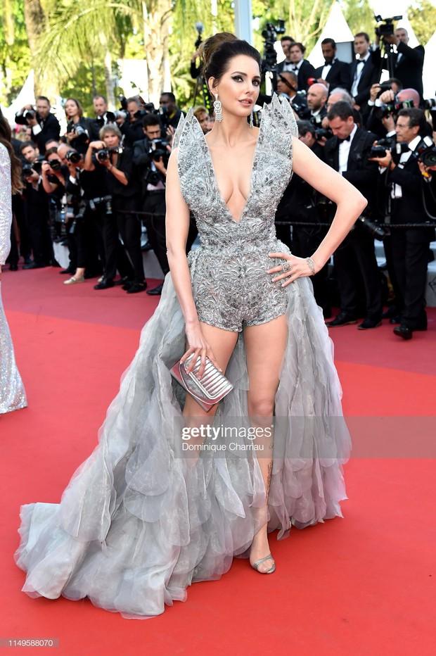Thảm đỏ Cannes ngày 3: HLV The Face Thái Lan bất ngờ vùng lên chặt chém Bella Hadid cùng dàn mỹ nhân váy xẻ - Ảnh 37.