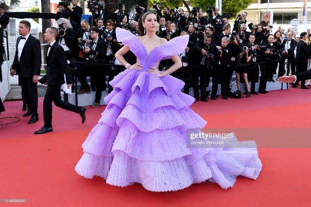 Hình ảnh thú vị: Đụng độ tại thảm đỏ Cannes, Chị đại showbiz Thái được chăm sóc nhiệt tình, lấn át cả Bella Hadid - Ảnh 6.