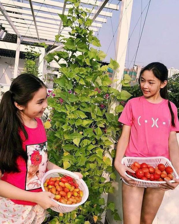 2 cô con gái nhà Quyền Linh: Cô chị được ví như Trương Bá Chi, cô em gây ấn tượng nhờ đặc điểm ăn tiền này - Ảnh 10.
