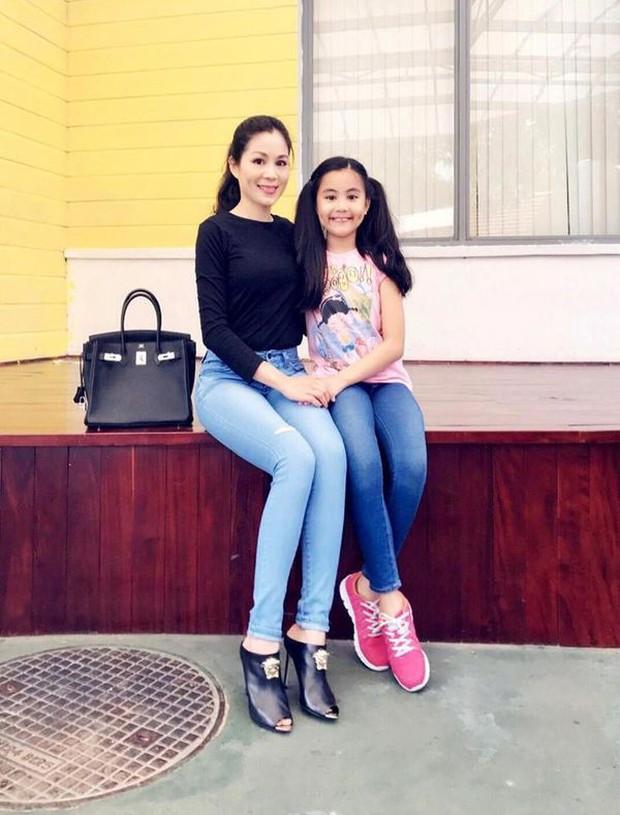 2 cô con gái nhà Quyền Linh: Cô chị được ví như Trương Bá Chi, cô em gây ấn tượng nhờ đặc điểm ăn tiền này - Ảnh 9.