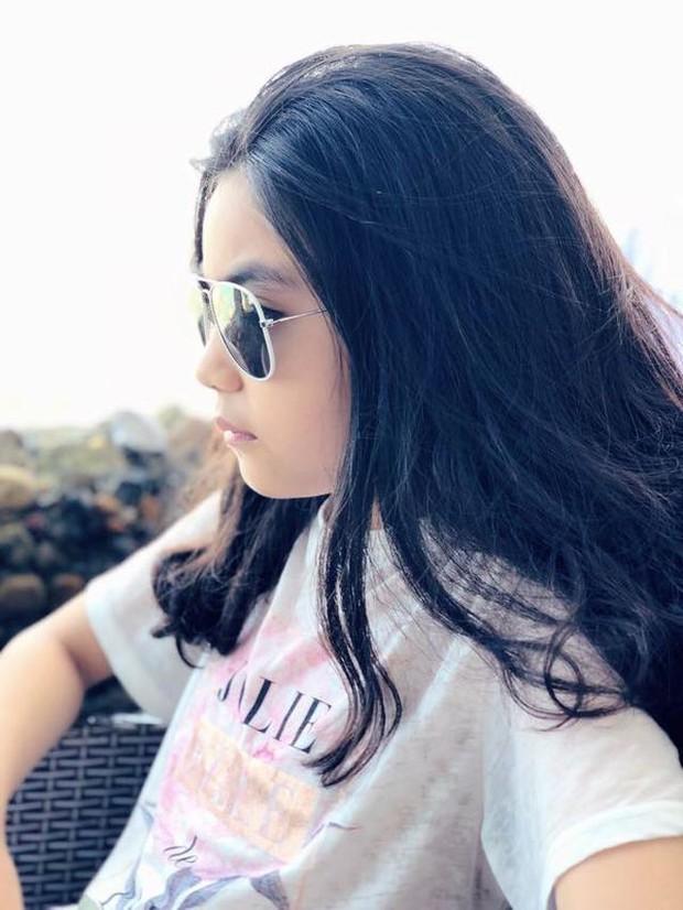 2 cô con gái nhà Quyền Linh: Cô chị được ví như Trương Bá Chi, cô em gây ấn tượng nhờ đặc điểm ăn tiền này - Ảnh 8.