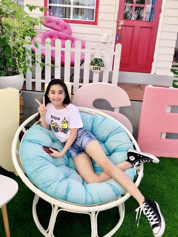 2 cô con gái nhà Quyền Linh: Cô chị được ví như Trương Bá Chi, cô em gây ấn tượng nhờ đặc điểm ăn tiền này - Ảnh 3.