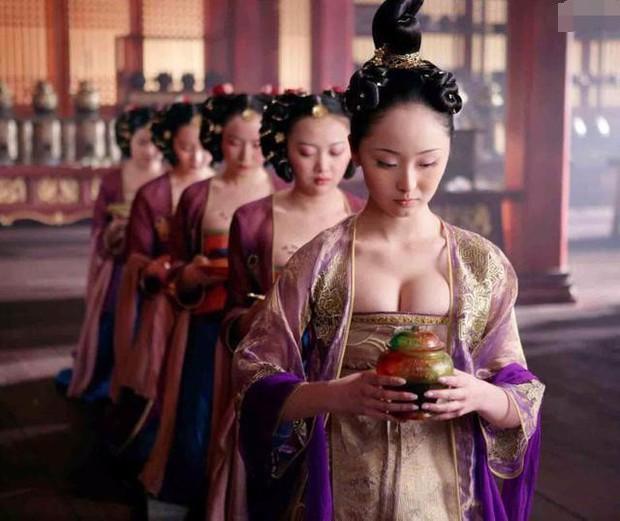 9 phim châu Á có cảnh nóng chưa đủ tuổi gây tranh cãi: Lưu Diệc Phi mới 16 tuổi, sao nhí Kim So Hyun chỉ vừa 13 - Ảnh 14.