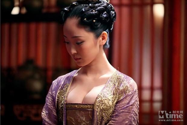 9 phim châu Á có cảnh nóng chưa đủ tuổi gây tranh cãi: Lưu Diệc Phi mới 16 tuổi, sao nhí Kim So Hyun chỉ vừa 13 - Ảnh 15.
