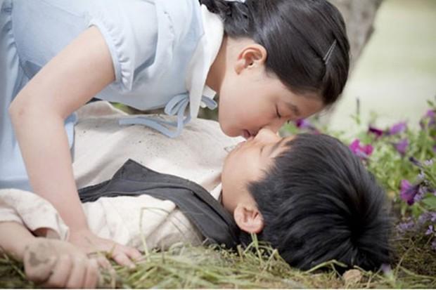 9 phim châu Á có cảnh nóng chưa đủ tuổi gây tranh cãi: Lưu Diệc Phi mới 16 tuổi, sao nhí Kim So Hyun chỉ vừa 13 - Ảnh 20.