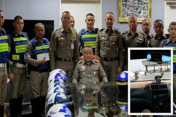 Thái Lan: Cảnh sát dẹp đường cho thai phụ chuyển dạ đi đẻ - Ảnh 8.
