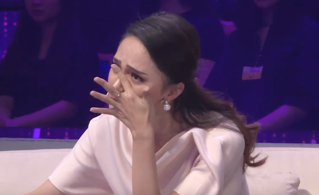 Người ấy là ai tập 5: Chưa bao giờ Hương Giang khóc nhiều và nghẹn đến thế khi chứng kiến màn come out này! - Ảnh 5.