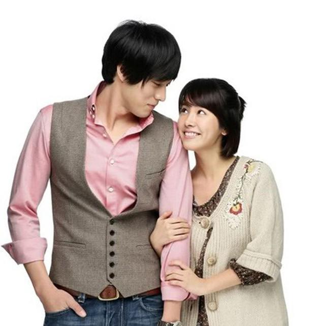 Tình ái rắc rối của So Ji Sub: Công khai với mỹ nhân kém 17 tuổi nhưng dính tin hẹn hò Son Ye Jin và toàn minh tinh - Ảnh 6.