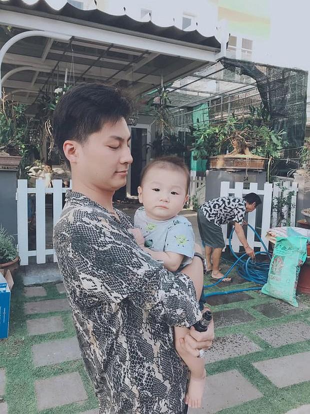 Clip con trai Lâm Khánh Chi nhún nhảy cực đáng yêu trên nền nhạc của nghệ sĩ Hoài Linh dù mới tròn 8 tháng tuổi - Ảnh 6.