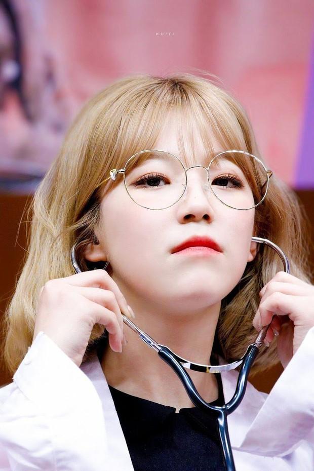 Gặp được bác sĩ như dàn idol Kpop tuyệt sắc này, chắc ai cũng muốn đến bệnh viện để khám bệnh tương tư mỗi ngày - Ảnh 22.
