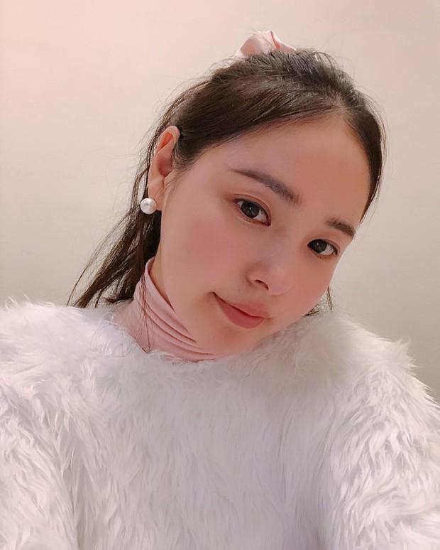 Sao Hàn da đẹp mỹ mãn một phần nhờ rửa mặt đúng cách, trong đó da mụn đặc biệt được khuyên áp dụng cách đầu tiên - Ảnh 5.