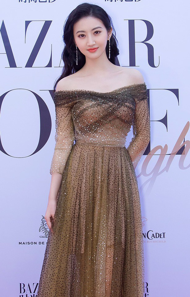 Sự kiện bên lề Cannes: Ming Xi - Sui He cạnh tranh sắc vóc khốc liệt, Lưu Đào - Quan Hiểu Đồng chẳng chịu lép vế - Ảnh 23.