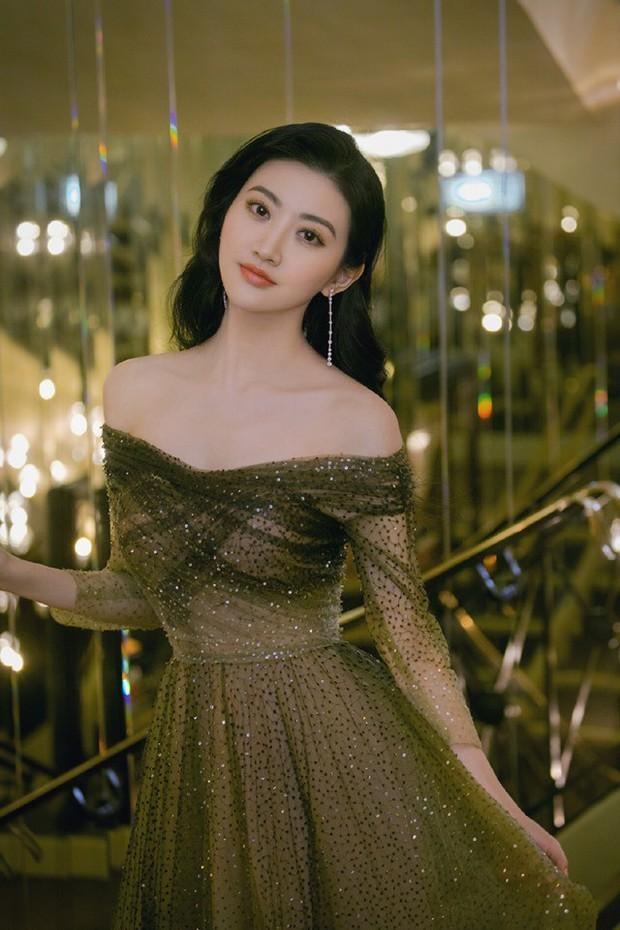 Sự kiện bên lề Cannes: Ming Xi - Sui He cạnh tranh sắc vóc khốc liệt, Lưu Đào - Quan Hiểu Đồng chẳng chịu lép vế - Ảnh 25.