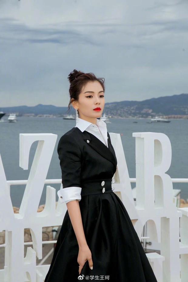 Sự kiện bên lề Cannes: Ming Xi - Sui He cạnh tranh sắc vóc khốc liệt, Lưu Đào - Quan Hiểu Đồng chẳng chịu lép vế - Ảnh 12.