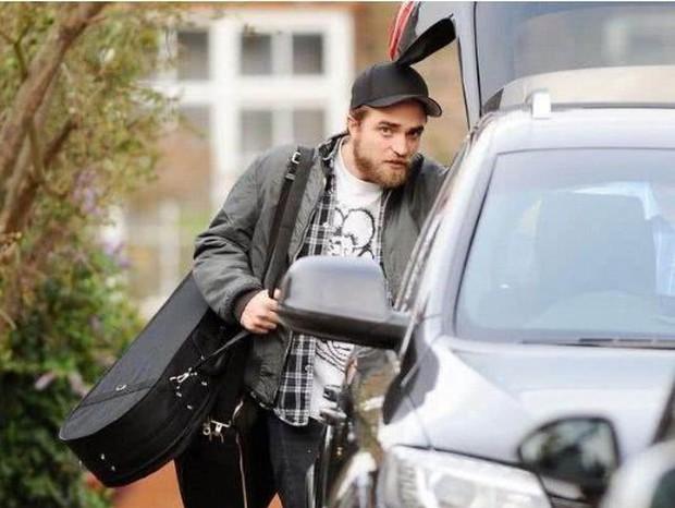 Từ Ma Cà Rồng đến Người Dơi, Robert Pattinson đã dùng 11 năm để phản công bạn gái cũ - Ảnh 8.
