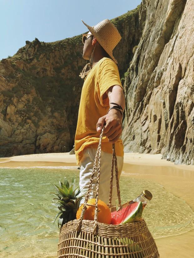 """Trai đẹp """"tung thính"""" bằng loạt ảnh check-in cực xịn khiến ai cũng trầm trồ: Thiên đường biển hot nhất hè này chính là Quy Nhơn! - Ảnh 1."""