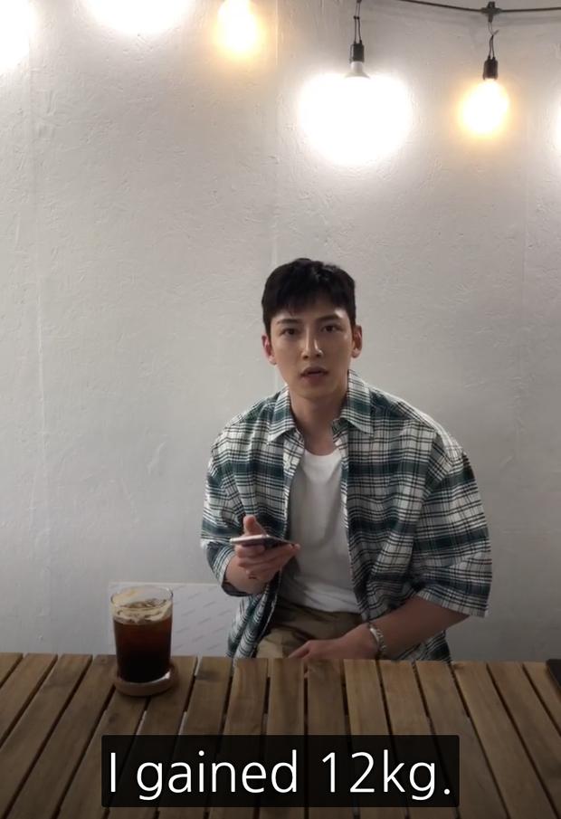 Đời buồn của Ji Chang Wook: Hứa với fan khi nhập ngũ sẽ ráng có cơ bụng đẹp, ai dè tăng hẳn 12 kg bụng dồn 1 múi - Ảnh 4.