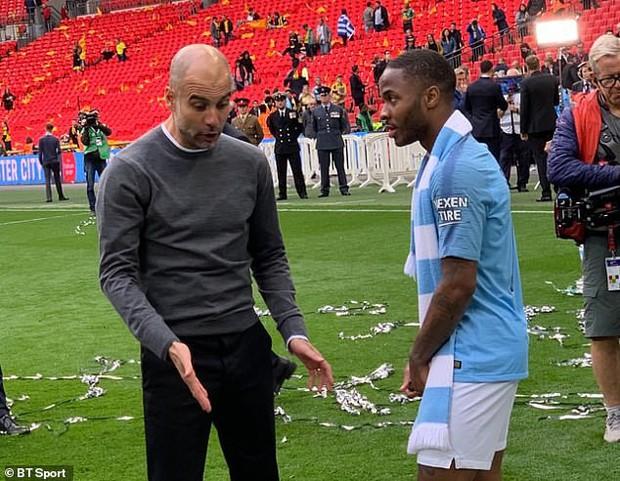 Dù thắng hủy diệt 6-0 ở chung kết FA Cup, HLV giỏi nhất thế giới vẫn dạy một bài học cho cậu trò cưng và đây là điều đáng quý được dân mạng phát hiện ra - Ảnh 3.