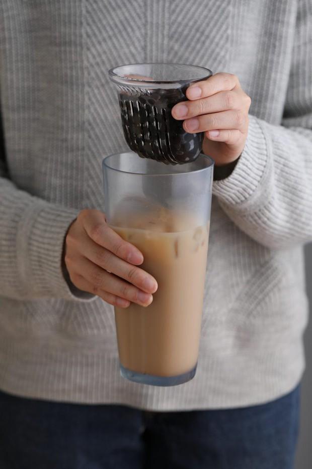 Phát minh ly uống trà sữa trân châu không cần ống hút hứa hẹn sẽ thay đổi cuộc đời bạn - Ảnh 3.