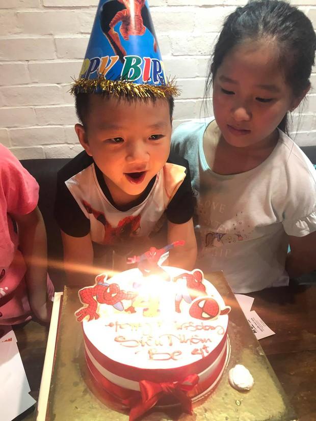 Sau mọi ồn ào hậu ly hôn, Chí Nhân cùng gia đình tổ chức tiệc sinh nhật 4 tuổi cho con trai, hoàn toàn vắng mặt Thu Quỳnh - Ảnh 1.