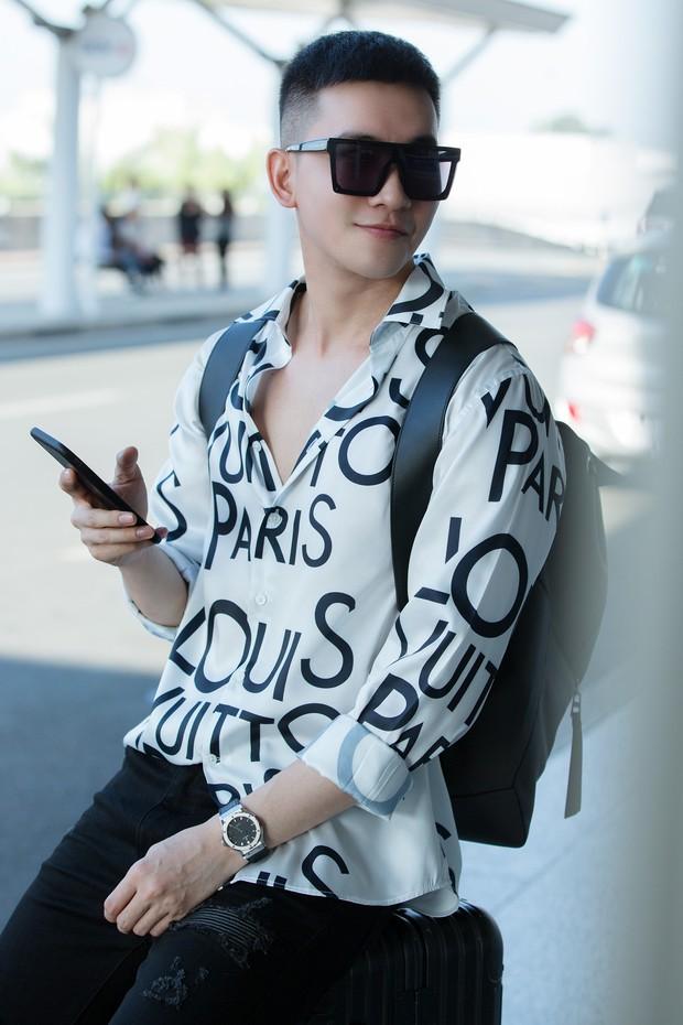 Võ Cảnh xuất hiện nổi bật và cực điển trai tại sân bay sang Pháp dự Liên hoan phim Cannes - Ảnh 4.