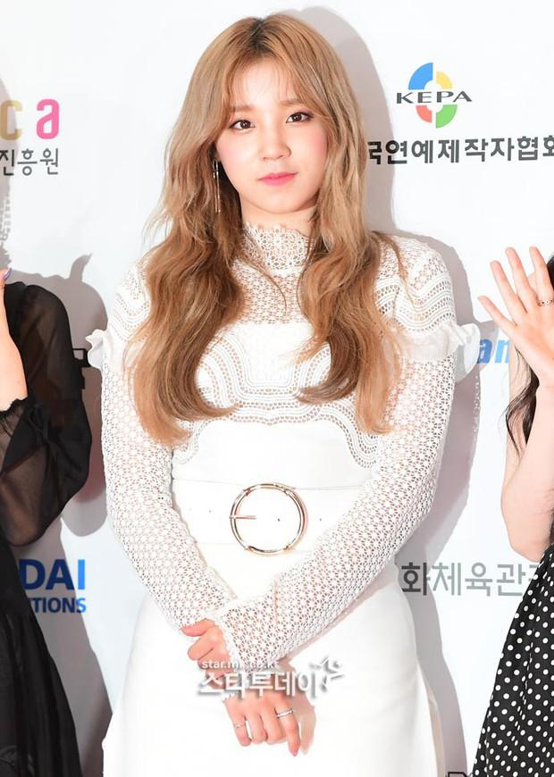 Thảm đỏ Dream Concert 2019: Park Bom lên cân nhưng vẫn chiếm spotlight của Red Velvet và cả dàn nữ thần Kpop - Ảnh 15.