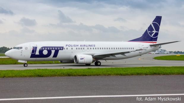 Boeing 737 lại dính lỗi, hạ cánh khẩn cấp ở Ba Lan - Ảnh 1.