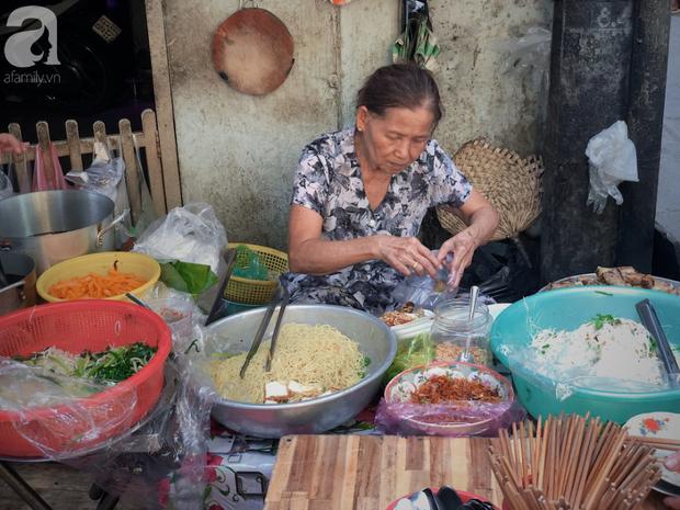 Quán ăn nhỏ hơn 40 năm tuổi góp phần làm nên văn hóa ẩm thực hẻm Sài Gòn: 7 ngày bán 7 món khác nhau, tuyệt hảo nhất chính là món chay - Ảnh 15.