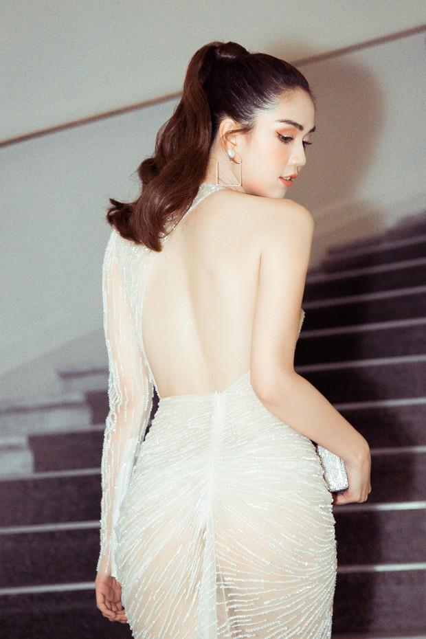 Ngọc Trinh diện váy mỏng tang, đọ sắc cùng Priyanka Chopra, thiên thần Victorias Secret tại Cannes - Ảnh 3.