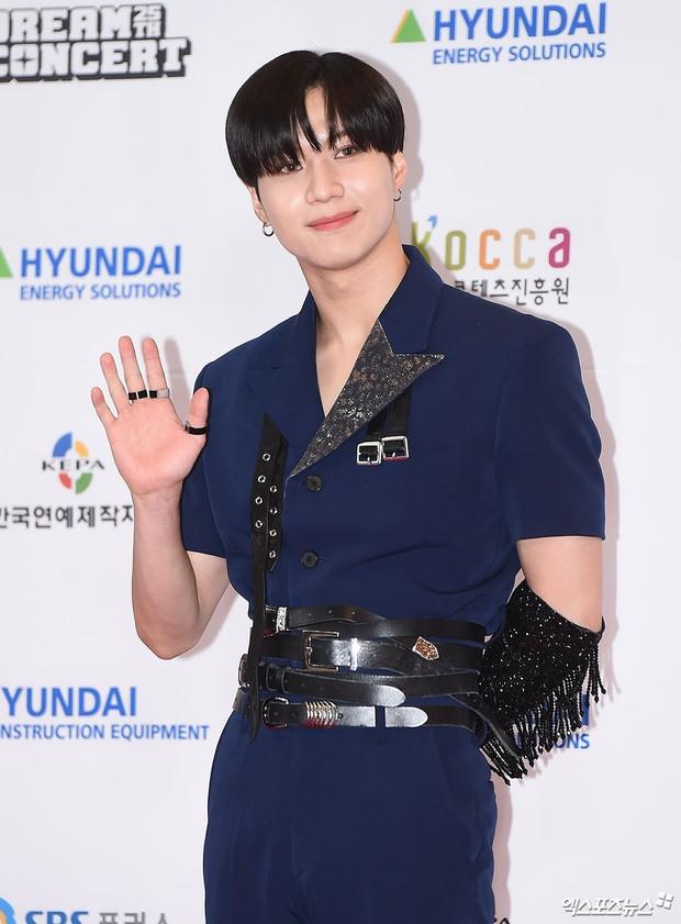 Thảm đỏ Dream Concert 2019: Park Bom lên cân nhưng vẫn chiếm spotlight của Red Velvet và cả dàn nữ thần Kpop - Ảnh 23.