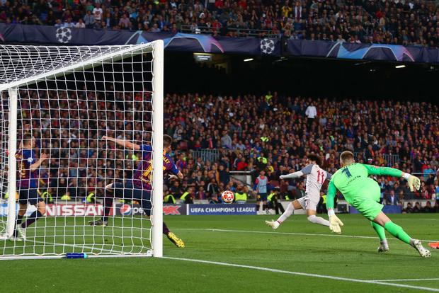 Cận cảnh những cơ hội bị bỏ lỡ đáng tiếc khiến Liverpool trả giá đắt - Ảnh 1.