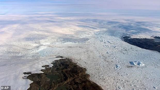IUCN cảnh báo: Phân nửa di sản thế giới có sông băng làm biểu tượng sẽ biến mất vĩnh viễn vào cuối thế kỷ 21 - Ảnh 1.