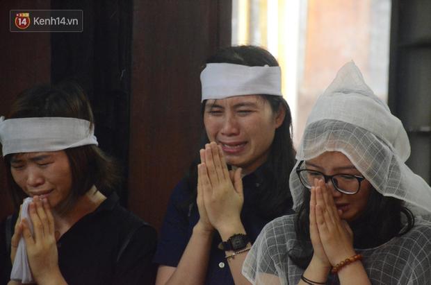 Nhà hát Kịch Việt Nam tổ chức hai đêm diễn quyên góp giúp đỡ gia đình nữ đồng nghiệp bị ô tô tông tử vong ở hầm Kim Liên - Ảnh 6.