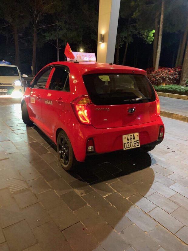 Du khách tố bị tài xế taxi ở Đà Lạt đe dọa, đòi hành hung - Ảnh 1.
