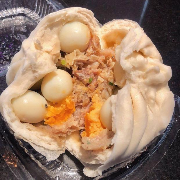 Dân mạng lại tranh cãi vì những chiếc bánh bao chứa cả một buồng trứng: kẻ mơ ước, người nhìn thấy đã mắc nghẹn - Ảnh 1.