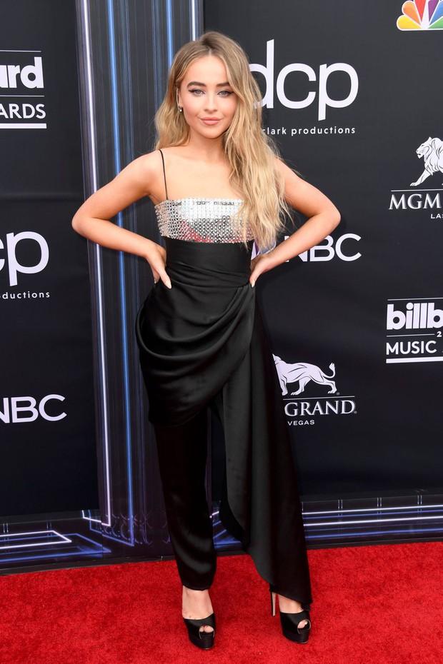 Thảm đỏ Billboard 2019: Taylor Swift sến sẩm bị dàn mỹ nhân ngực khủng át vía, BTS lột xác quyền lực bên quân đoàn sao - Ảnh 35.