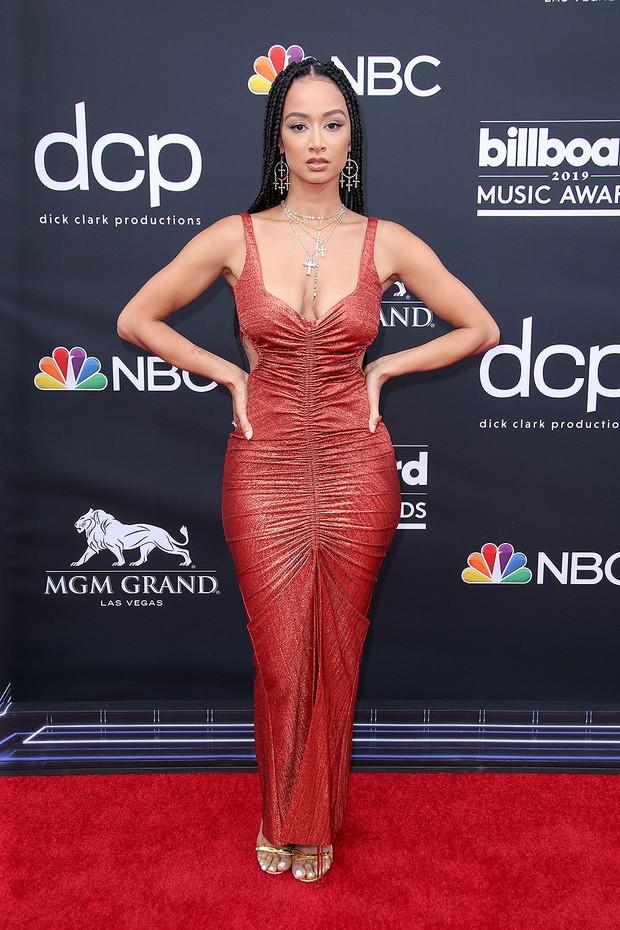 Thảm đỏ Billboard 2019: Taylor Swift sến sẩm bị dàn mỹ nhân ngực khủng át vía, BTS lột xác quyền lực bên quân đoàn sao - Ảnh 45.