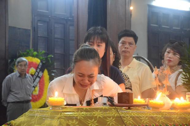 Nhà hát Kịch Việt Nam tổ chức hai đêm diễn quyên góp giúp đỡ gia đình nữ đồng nghiệp bị ô tô tông tử vong ở hầm Kim Liên - Ảnh 5.