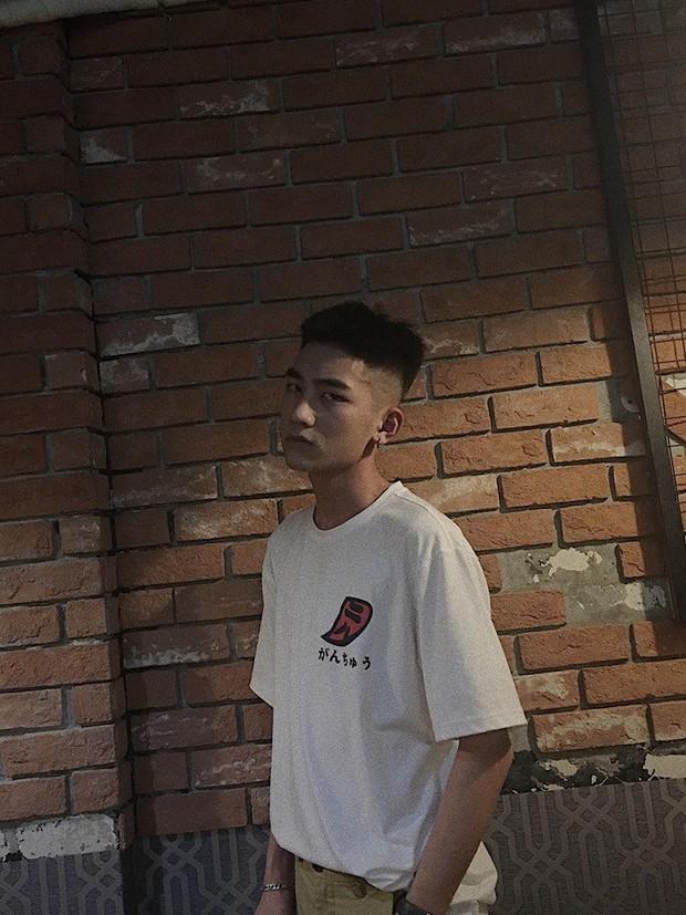 Không phải idol Hàn đang ký tặng fan đâu, đây là sinh viên ngành IT sinh năm 2000 được xin info tích cực đấy! - Ảnh 6.
