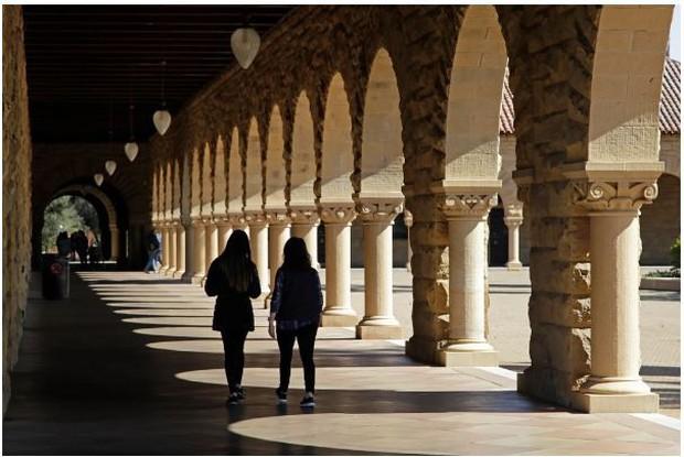 Gia đình Trung Quốc chi 6,5 triệu USD mua suất Đại học Stanford cho con - Ảnh 1.
