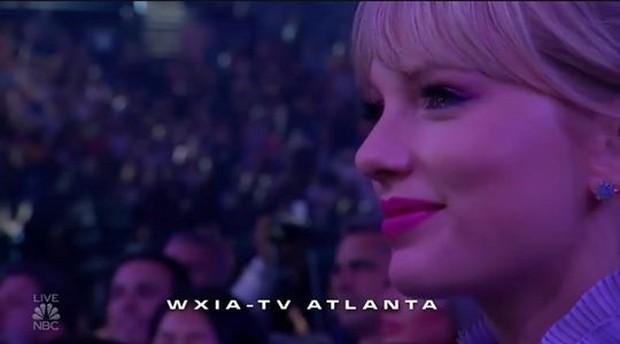 Khoảnh khắc fangirl thần thánh của Taylor Swift khi idol Mariah Carey lên nhận giải: Làm ơn hãy chú ý tới em đi! - Ảnh 2.