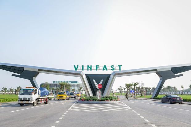 Vingroup thành lập VinBus vốn 1.000 tỷ, vận tải hành khách bằng xe buýt điện từ tháng 3/2020 - Ảnh 1.